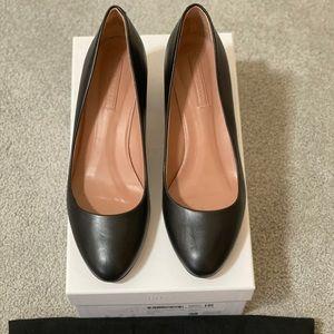 Hugo Boss Farah block heel pumps